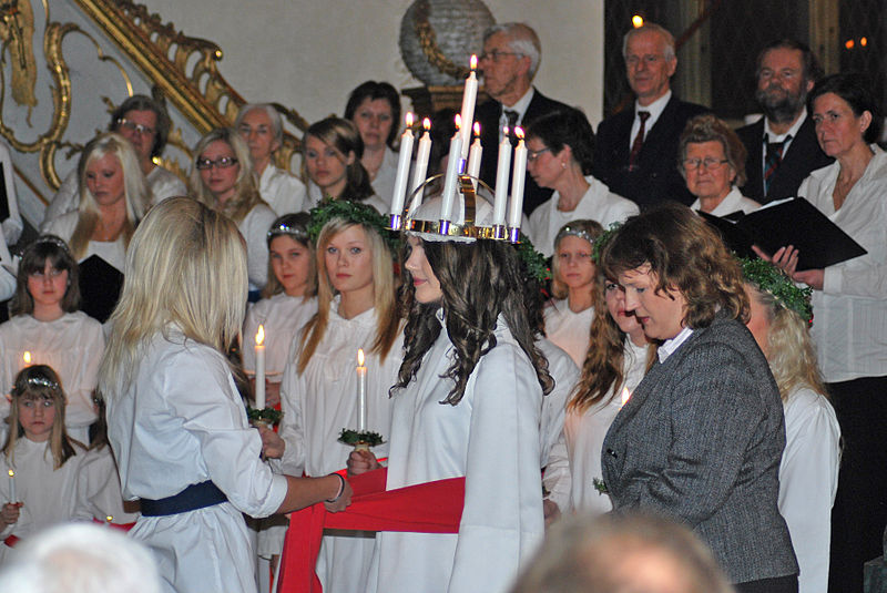 all about christmas in sweden fun facts for kids the saint lucia day crowning
