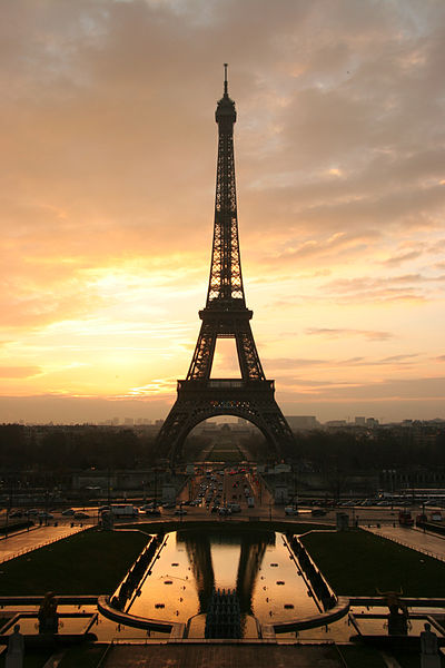 All about France Fun Science Facts for Kids - image of the Eiffel Tower in Paris, France - France quiz