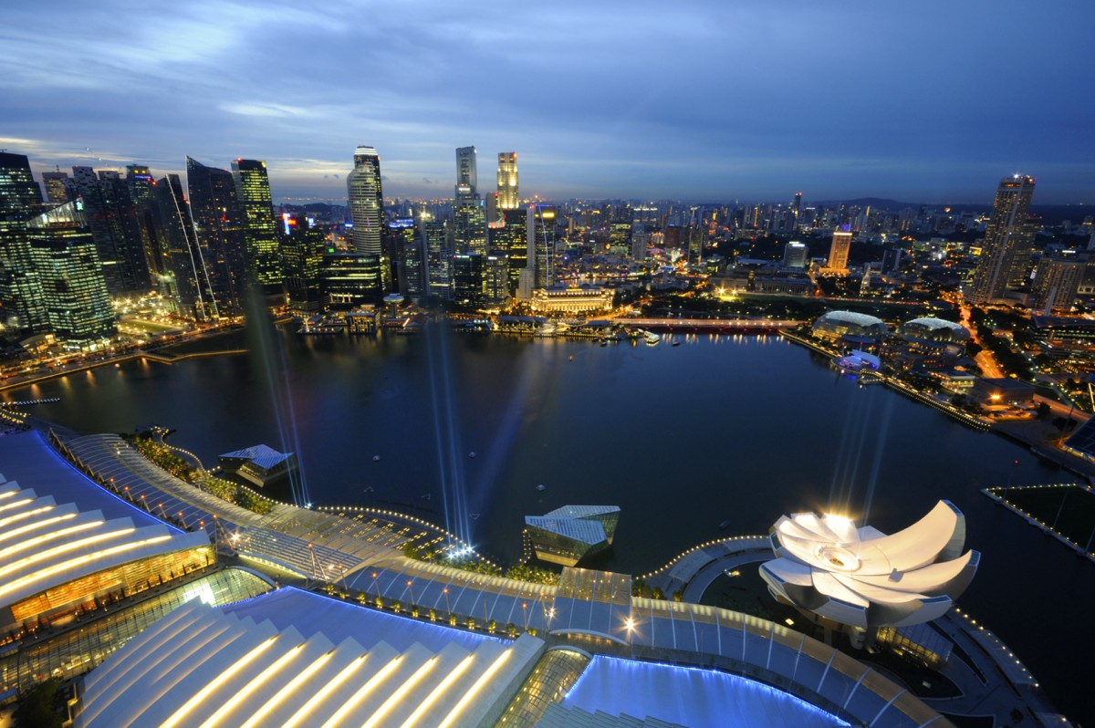 All About Singapore for Kids - Image of the Marina Bay in Singapore - Singapore Quiz
