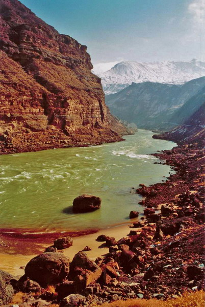 All about the Top 10 Longest Rivers Fun Facts for Kids - Image of the Yellow River in China