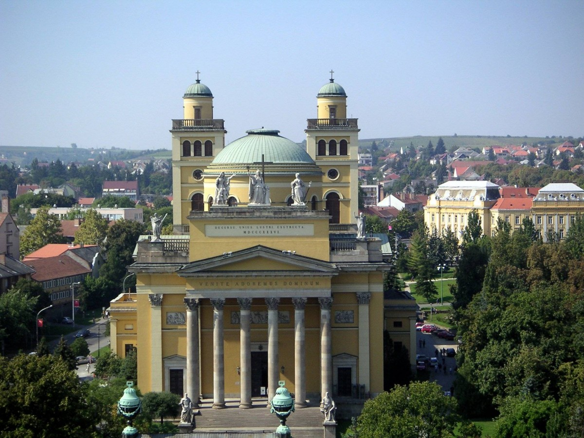 Earth Science Fun Facts for Kids on Hungary - Image of the Hungary Eger Basilica - Hungary Quiz