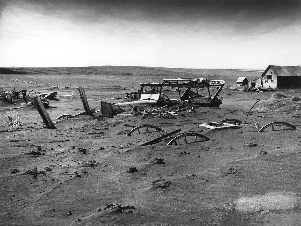 Easy Kids Science Facts on Dust Bowl - Cars Covered in Dust by the Dust Bowl image