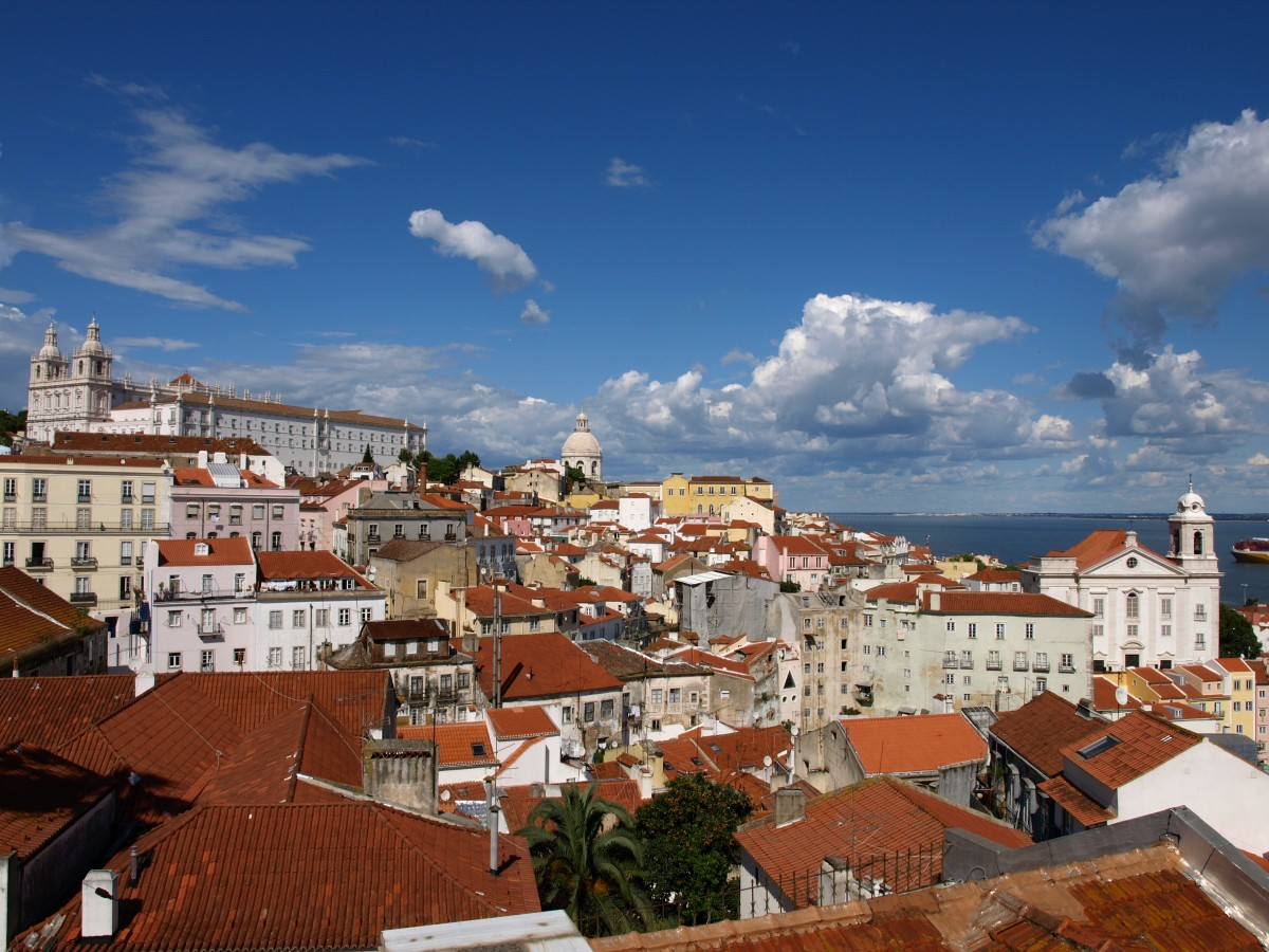 Easy Science Kids Portugal - Image of a Skyline in Lisbon Portugal - Portugal Quiz