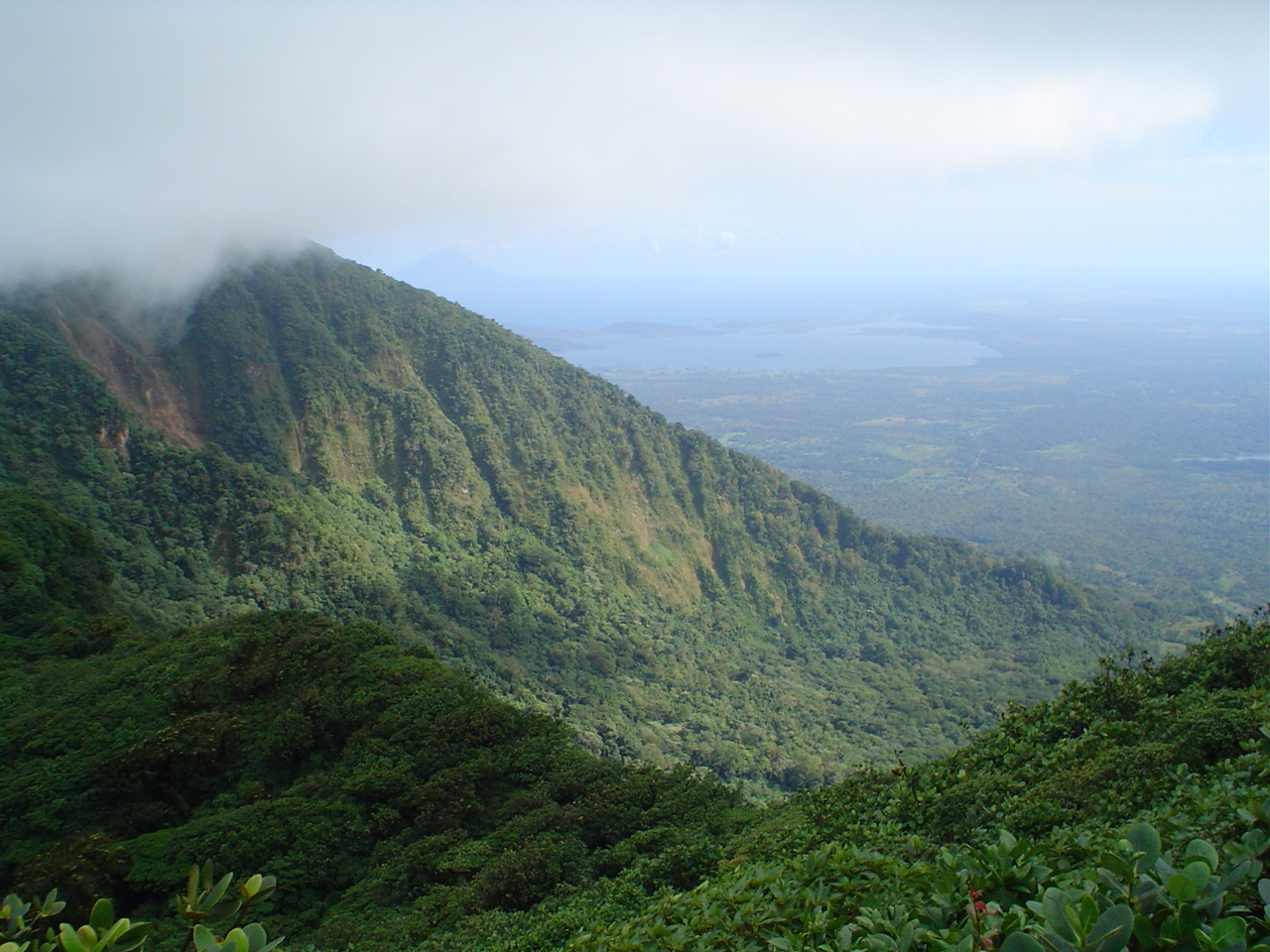 Fun Geography Facts For Kids On Nicaragua Image Of Mombacho Mountains In