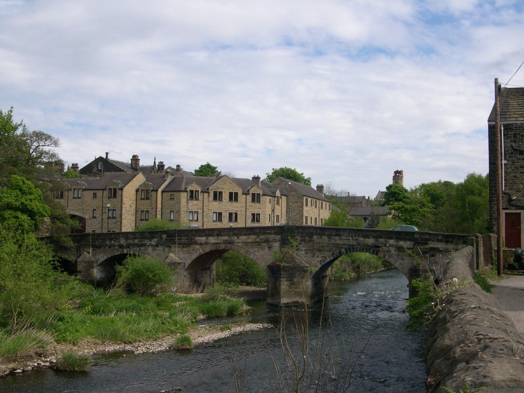 Fun Geography for Kids on Ireland - Image of the Bingley Ireland Bridge