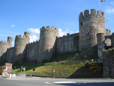 Fun Science for Kids on British Isles - Image of the Conwy Castle in British Isles