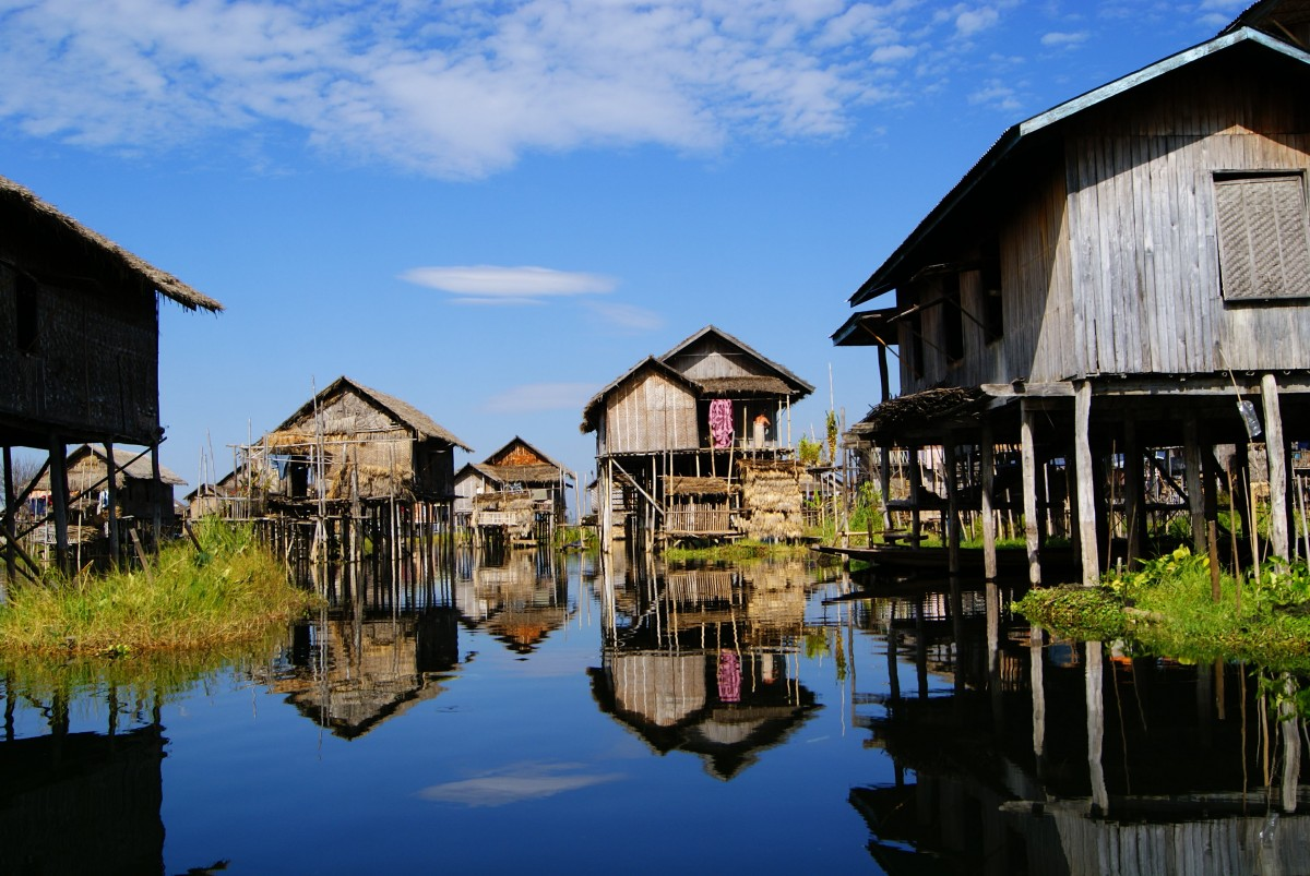 Kids Science Fun Facts on Pile Dwellings of the Alps - Image of the Pile Houses on Lake Constance - Pile Dwellings of the Alps Quiz