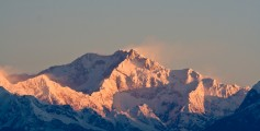 All about the Tallest Mountains in the World Fun Earth Science Facts for Kids - Image of Kanchenjunga in India