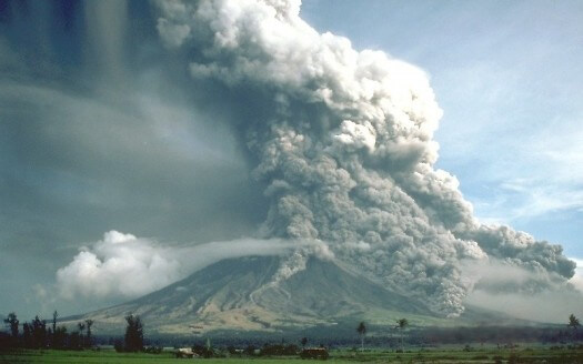 Easy Earth Science for Kids on Volcanoes - Image of Mayon Volcano Eruption