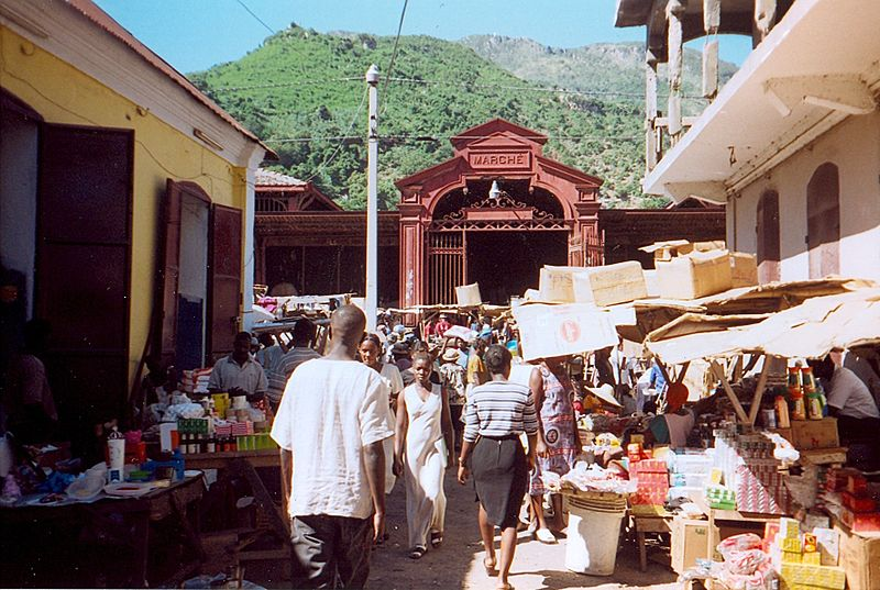 Easy Geography for Kids on Haiti - Image of a Haitien Market