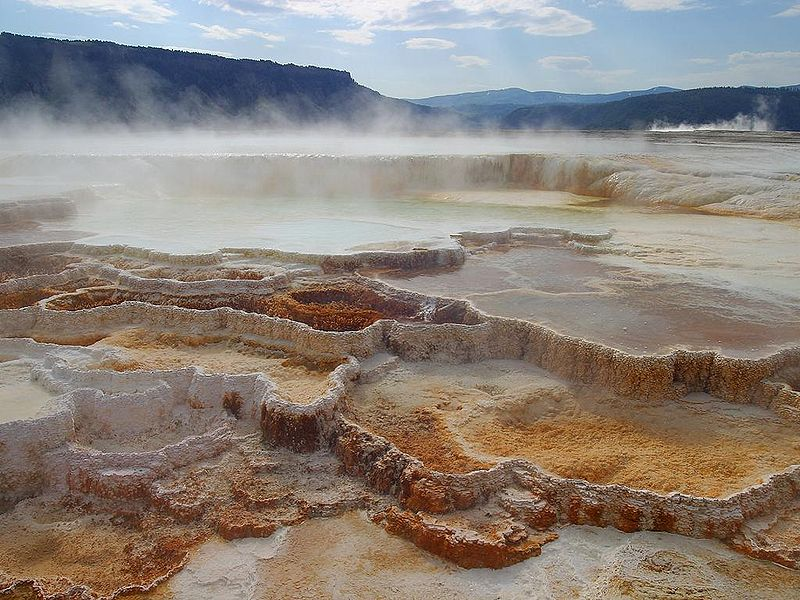 Easy Kids Science Facts on Geysers and Hot Springs - Mammoth Hot Springs in Yellowstone National Park