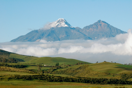 Fun Geography for Kids All About Ecuador Facts - Image of Andes Mountains in Ecuador