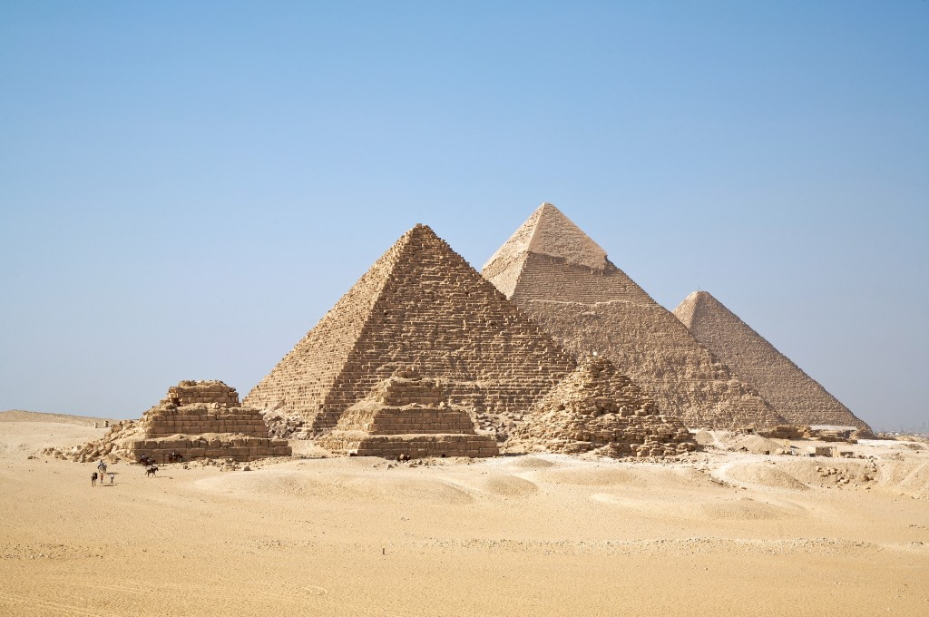 Fun Geography for Kids on the Man-made Wonders of the World - Image of the Egyptian Pyramids