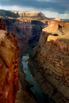 Simple Science for Kids on the Grand Canyon - Image of the Colorado River