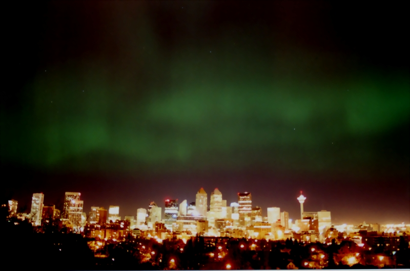 Simple Science for Kids on the Northern Lights - Image of the Northern Lights in Calgary